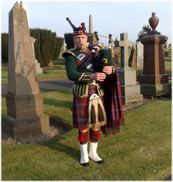 Funeral bagpiper - Bryce McCulloch
